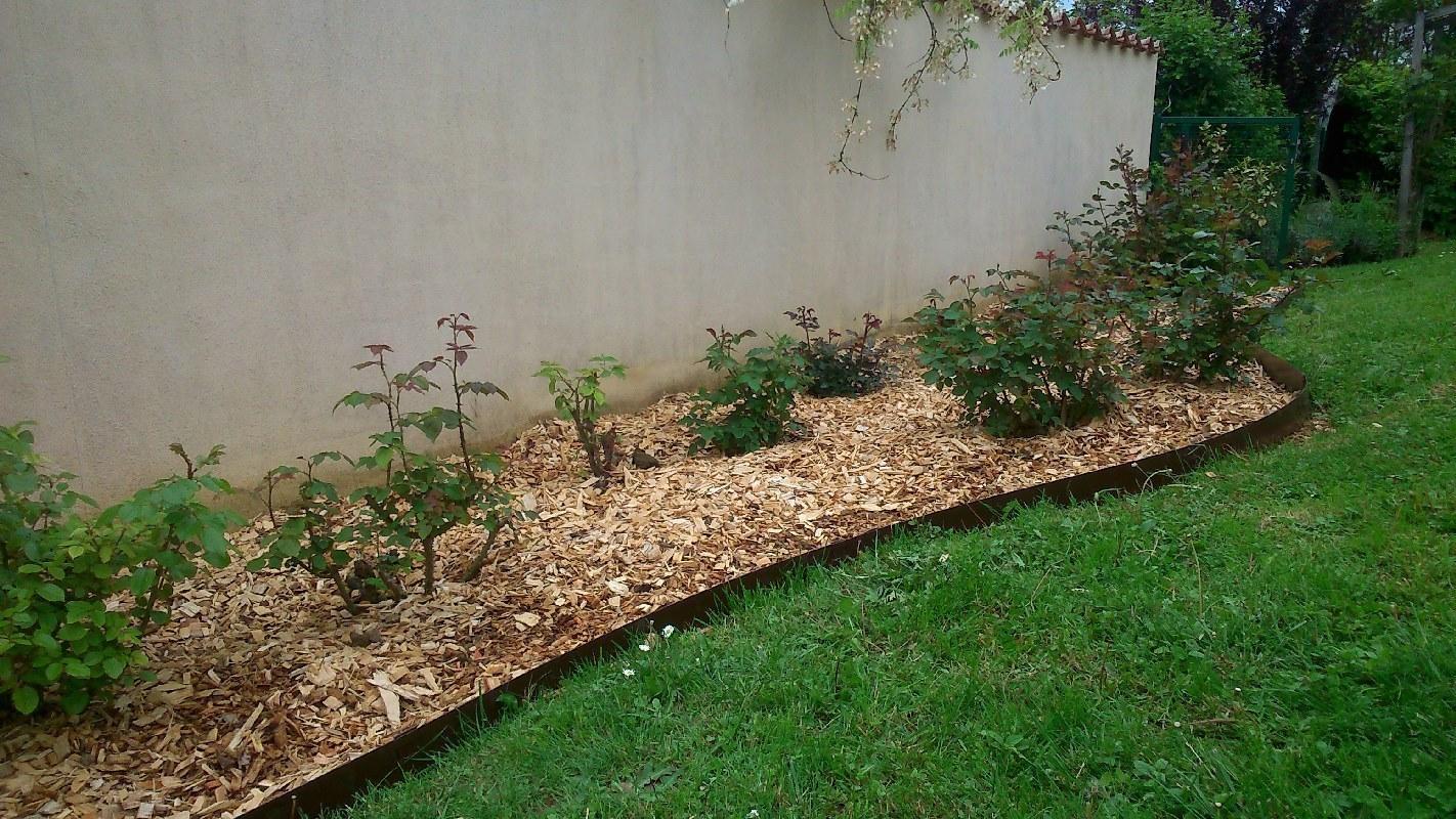 plantations bron paillage v g tal min ral jfl paysage. Black Bedroom Furniture Sets. Home Design Ideas